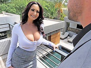 Mommy with big milkings.., big tits