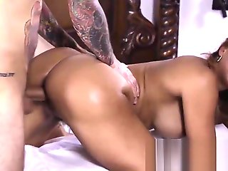 Milf fucks young guy.., squirting